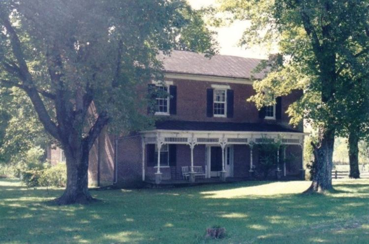 Moore Cottens House in Cottontown TN